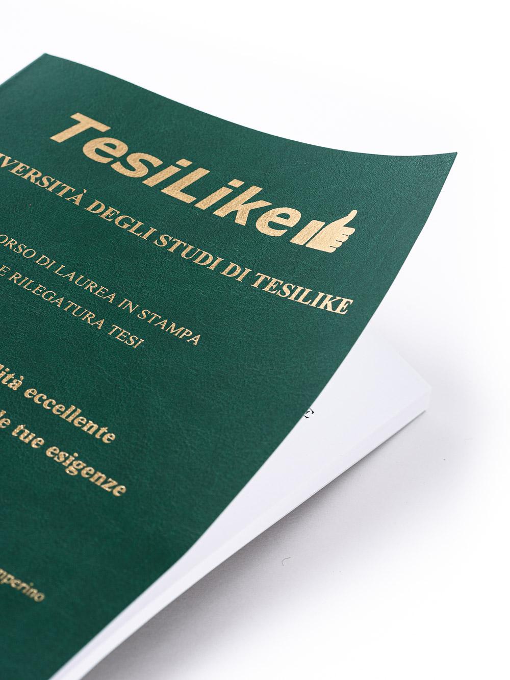 copertina-tesi-flessibile-morbida-verde-frontespizio-oro-dettaglio-tesilike